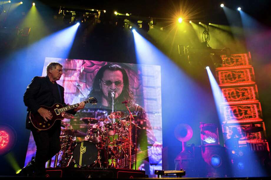 Rush's R40 Tour stopped at Toyota Center on May 20. The rock band celebrated 40 years as a trio. Photo: Marie D. De Jesus, Houston Chronicle / © 2015 Houston Chronicle