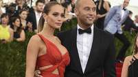 Derek Jeter and Hannah Davis arrive at the Costume Institute Gala Benefit at The Metropolitan Museum of Art May 5, 2015 in New York. AFP PHOTO / TIMOTHY A. CLARYTIMOTHY A. CLARY/AFP/Getty Images