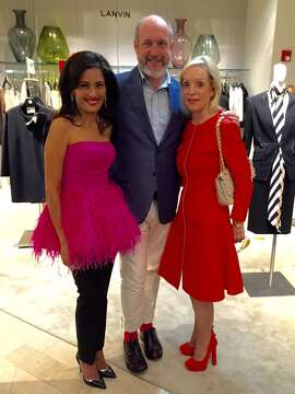 Saks hosted a lunch for Peter Copping, the new designer for Oscar de la Renta. Lunch co-hosts were Komal Shah (at left) and Barbara Brown (at right.)