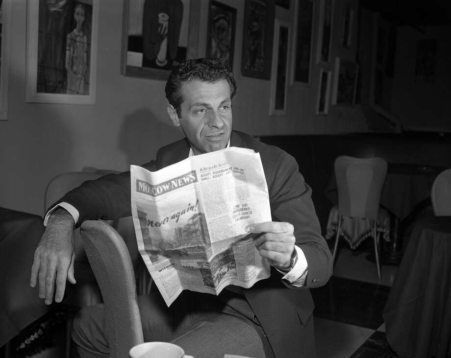 10/09/1960: Mort Sahl at the hungry i talks about his trip to Moscow Photo: Bob Campbell, The Chronicle
