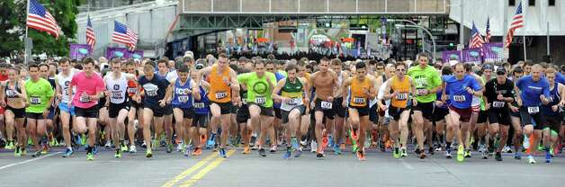Participants start the CDPHP Workforce Team Challenge on Thursday, May 21, 2015, in Albany, N.Y. More than 10,000 runners and walkers signed up from 500-plus organizations. (Cindy Schultz / Times Union) Photo: Cindy Schultz / 00031895A