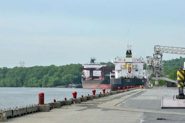 A view looking south on the Hudson River  at the Port of Albany during the Albany Port District Commission 2nd Annual Port Industry Day on Thursday, May 21, 2015, in Albany, N.Y.  Old docks that are at the southern end of the port will be rebuilt to handle current day ships and cargo.   (Paul Buckowski / Times Union) Photo: PAUL BUCKOWSKI / 00031941A