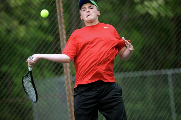 Albany Academy's Michael Haelen returns the ball to Gilderland's Alex Federov during their Section II tennis final on Thursday, May 21, 2015, at Central Park tennis courts in Schenectady, N.Y. (Cindy Schultz / Times Union) Photo: Cindy Schultz / 00031944A