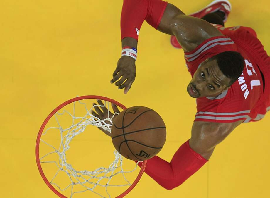Rockets center Dwight Howard Photo: Houston Chronicle