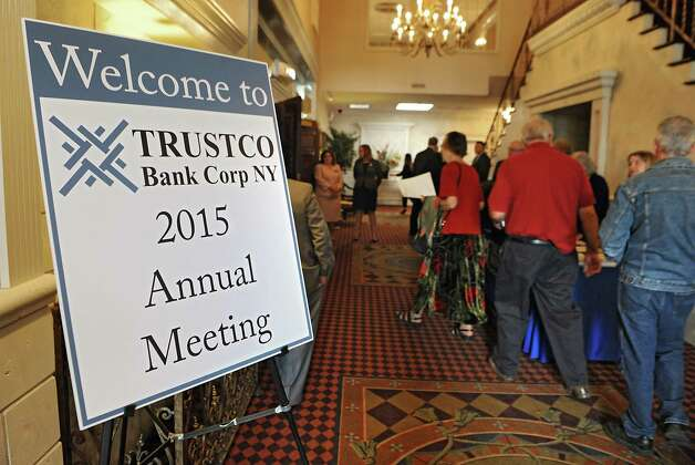 People arrive and sign in at the TrustCo Bank Corp NY annual shareholder's meeting at Mallozzi's Restaurant on Thursday, May 21, 2015 in Rotterdam, N.Y. (Lori Van Buren / Times Union) Photo: Lori Van Buren / 00031939A