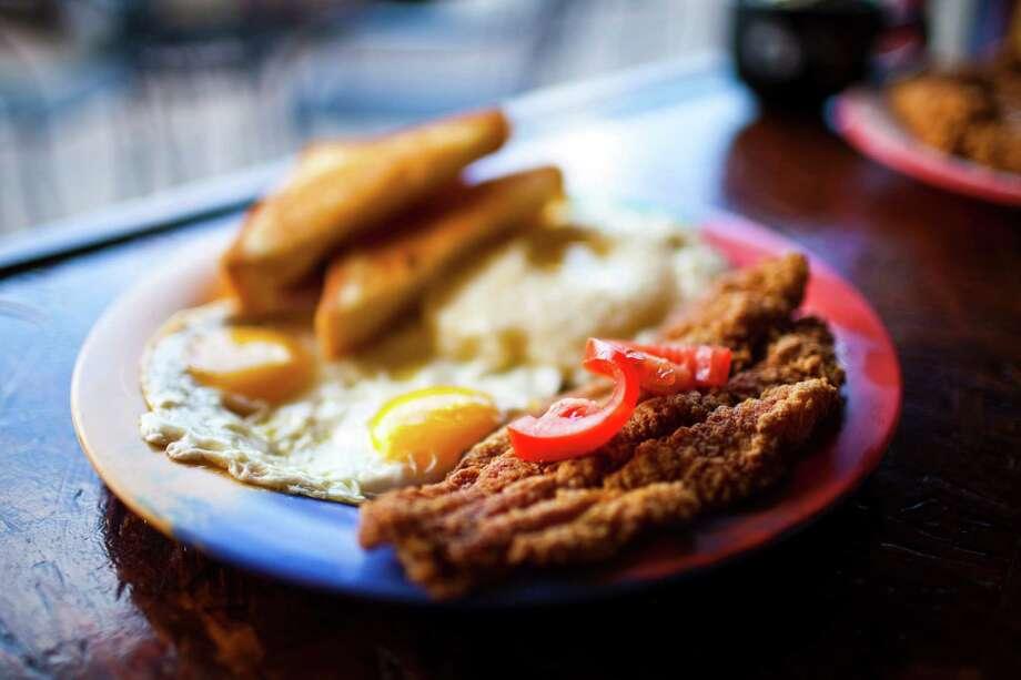 Katfish & Grits plate at Breakfast Klub Photo: Eric Kayne, Freelance / © 2011 Eric Kayne