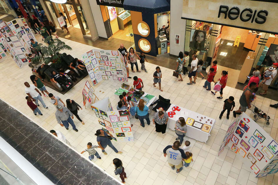 Artwork on display during the 2015 JISD Art Extravaganza at Rolling Oaks Mall on Wednesday, May 20, 2015.  MARVIN PFEIFFER/ mpfeiffer@express-news.net