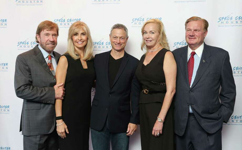 Chuck and Gena Norris, from left, Gary Sinise, Alice and Keith Mosing Photo: Jon Shapley, Staff / © 2015 Houston Chronicle