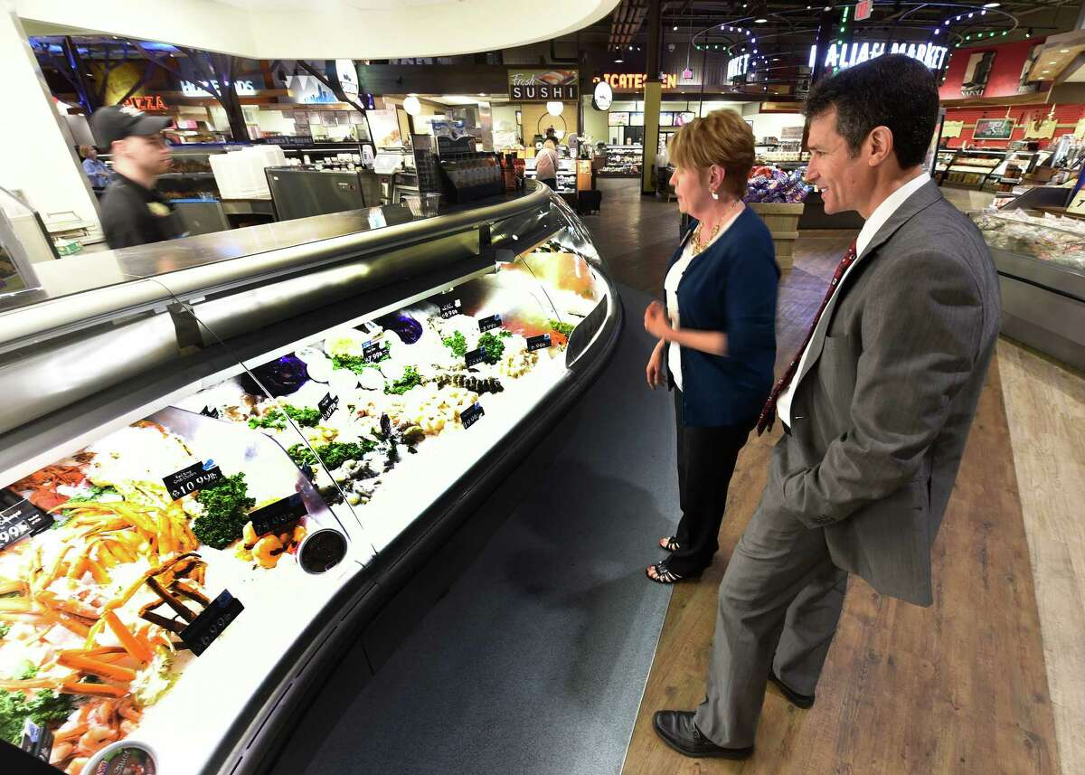 Dr. David Katz and Ellie Wilson, senior nutritionist for Price Chopper, make a visit to Market Bistro Monday afternoon May 18, 2015 in Latham, N.Y. (Skip Dickstein/Times Union)