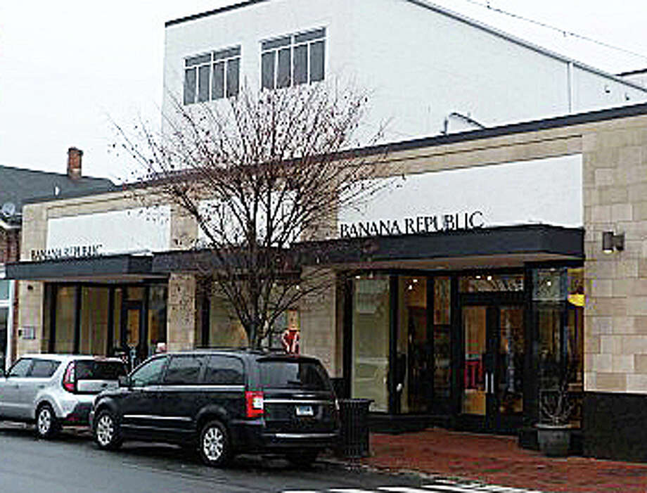 The commercial property at 44 Main St., which houses a Banana Republic store, was recently sold for $22,500,000. Photo: Contributed Photo / Westport News