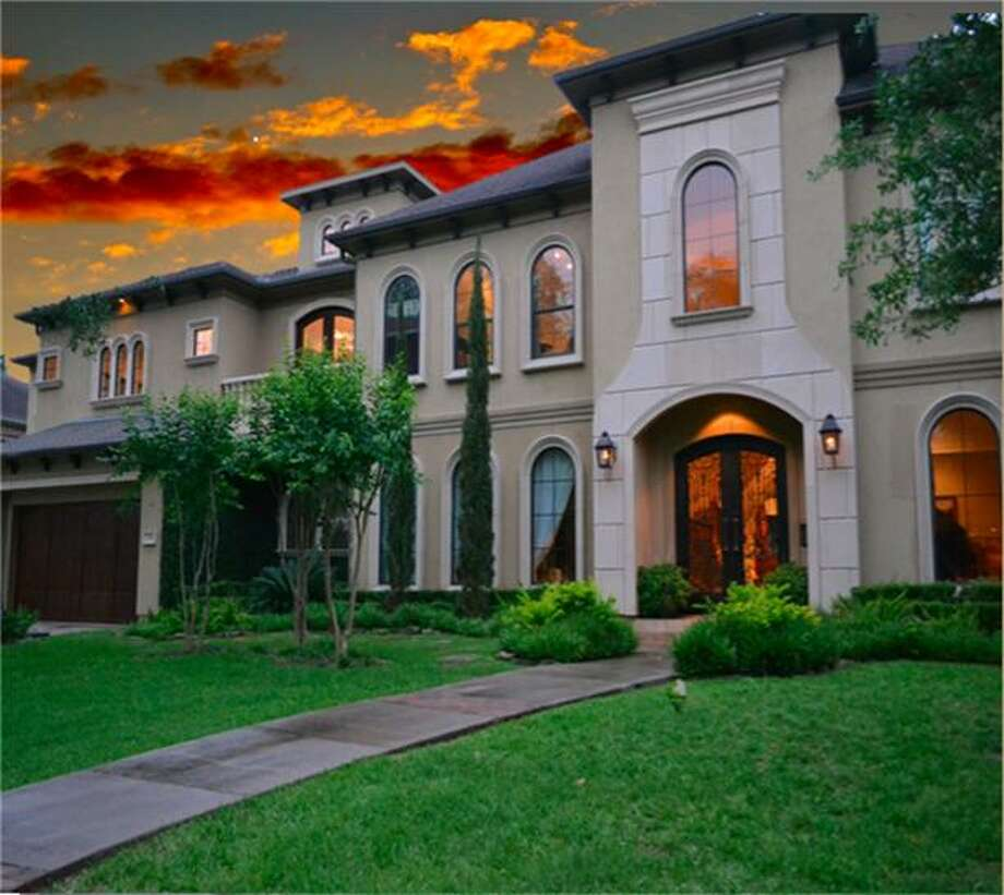 3710 Bellefontaine in Houston: $1.75 million / 4 bedrooms / 5 full and 2 half bathrooms / 7,050 square feet