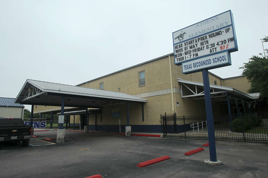 This is Athens Elementary School in the South San Antonio School District. Trustees with the district are slated to approve two agenda items on a new plan for the superintendent's contract and a long-term facilities plan to deal with outdated equipment and buildings. Photo: John Davenport, Staff / San Antonio Express-News / ©San Antonio Express-News/John Davenport