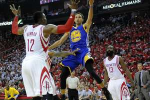 Rockets have no answer for Warriors' complete play - Photo