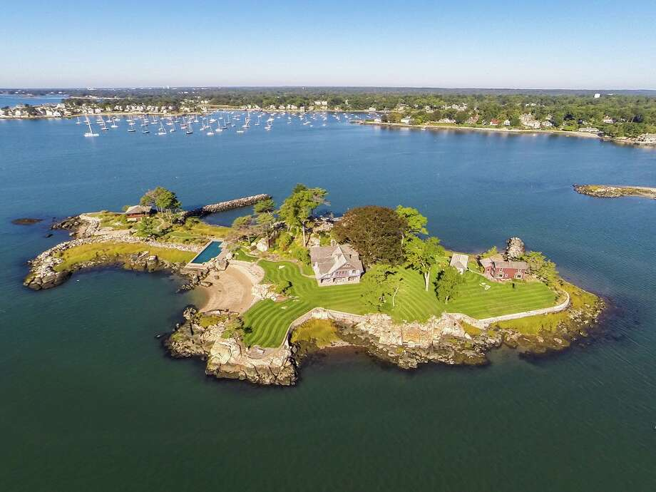 >>Nestled into private corners of coastal and rural Connecticut are the 