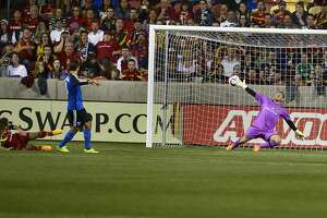 Wondolowski scores 100th MLS goal in Quakes' draw - Photo