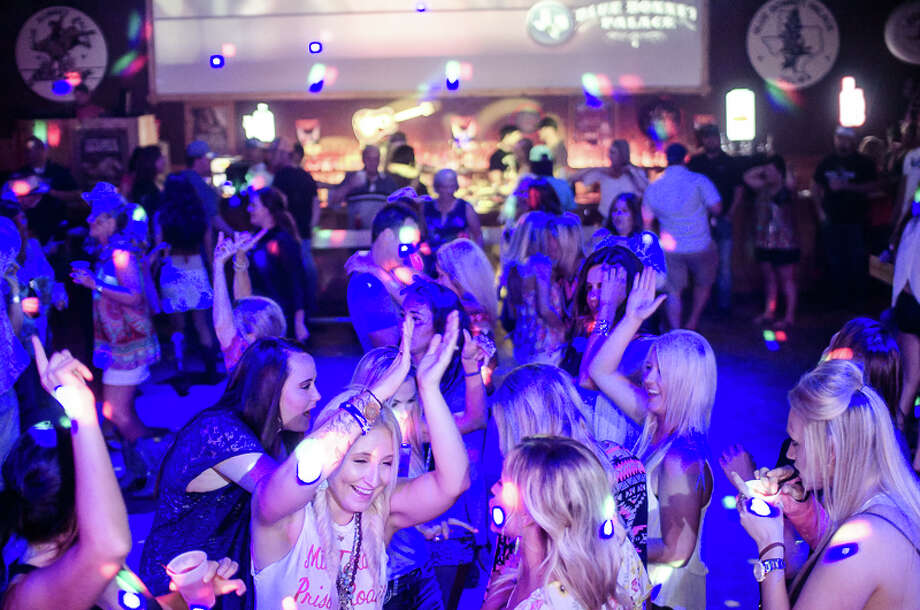 Get Down With This Guide To 20 San Antonio Dance Clubs On