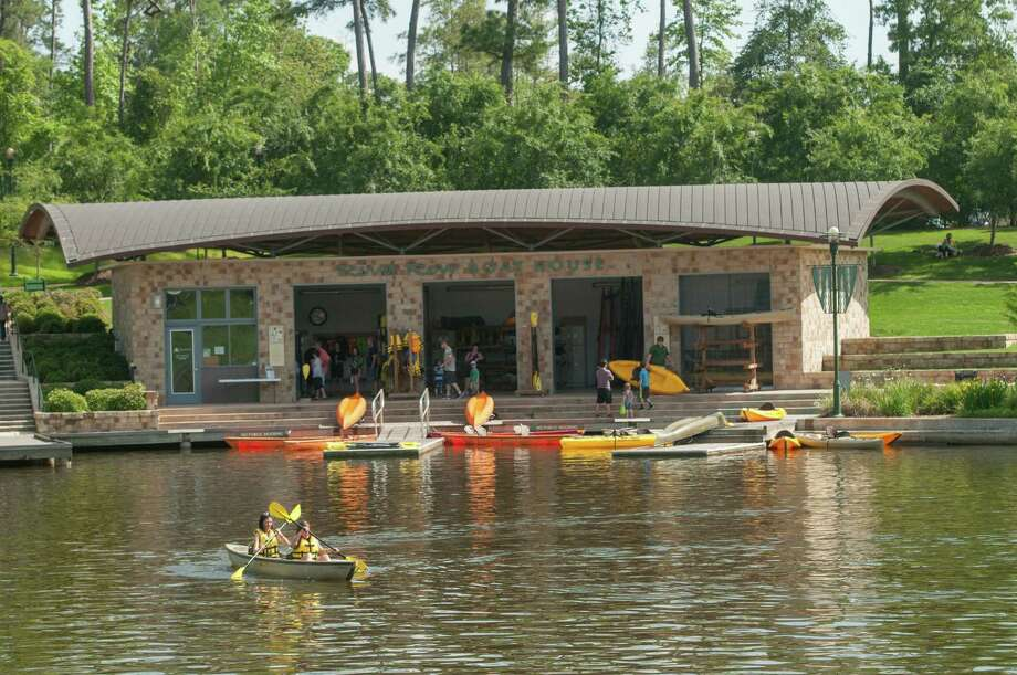 Riva Row Boat House in The Woodlands Photo: Ted Washington / Copyright©Ted Washington