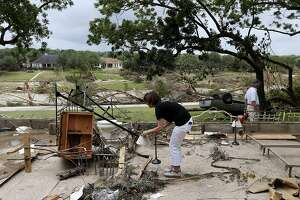 Twister kills 13 in Mexico border city; 12 missing in Texas flood - Photo