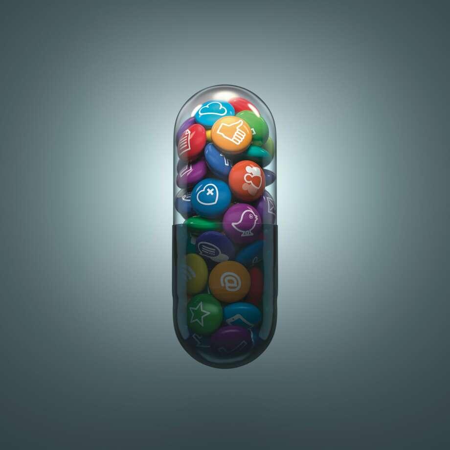 Pill_Social Media