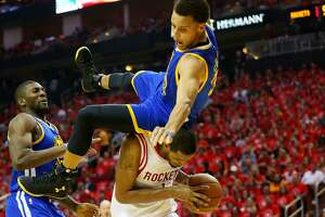 Warriors' Stephen Curry injured, leaves game - Photo