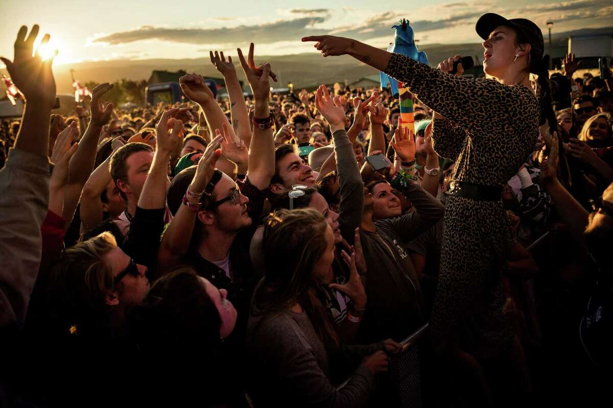 M¯ performs for thousands on the fourth and final day of the annual Sasquatch music festival Monday, May 25, 2015, at The Gorge Amphitheatre in George, Washington.