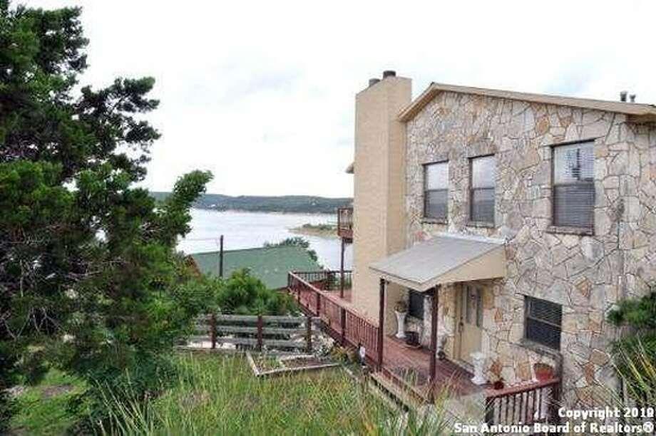 9 Homes For Sale At Medina Lake San Antonio Express News