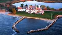Katharine Hepburn's Connecticut estate listed at $14.8M - Photo