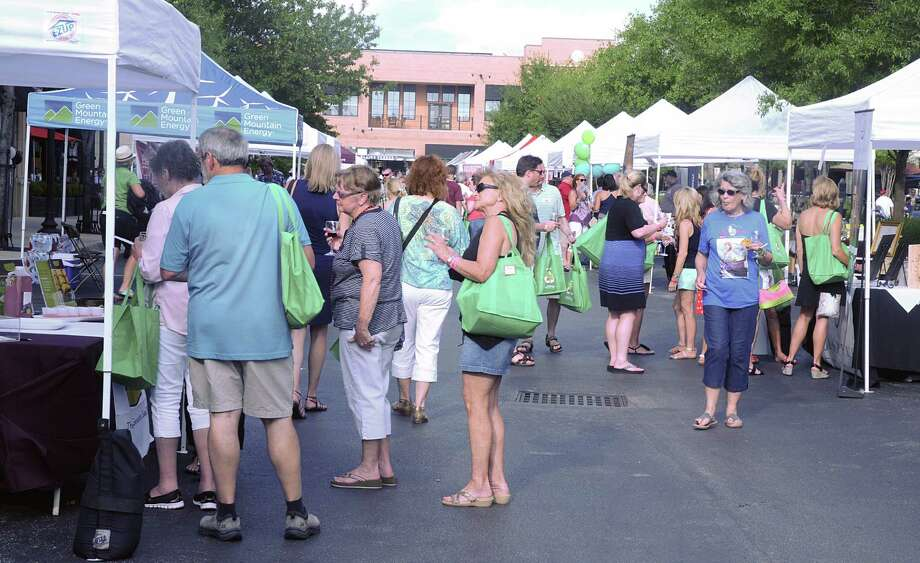 Guests lined the Wine Walk tasting tents last year. Photo: David Hopper, Freelance / freelance