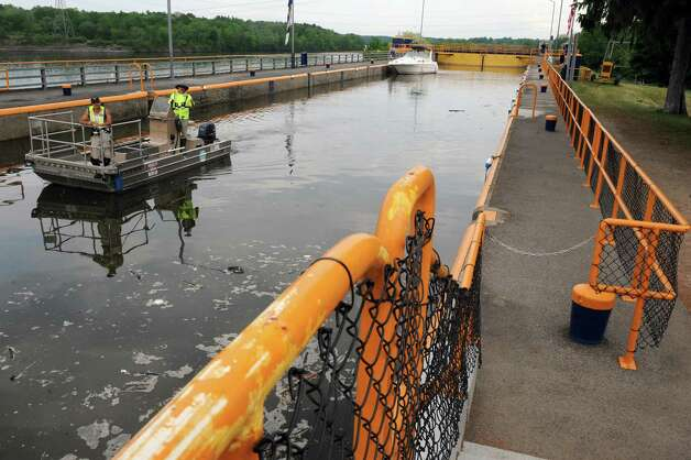 A boat goes through Lock 7 on the Mohawk River Tuesday afternoon, May 26, 2015, in Niskayuna, N.Y. An audit by Comptroller Tom DiNapoli found that state canal system locks, similar to this one, haven?t been inspected in years. (Michael P. Farrell/Times Union) Photo: Michael P. Farrell / 00032019A