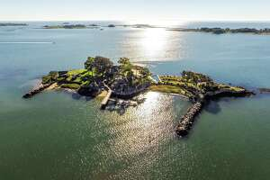 Own a former party island with NYC views in Connecticut - Photo