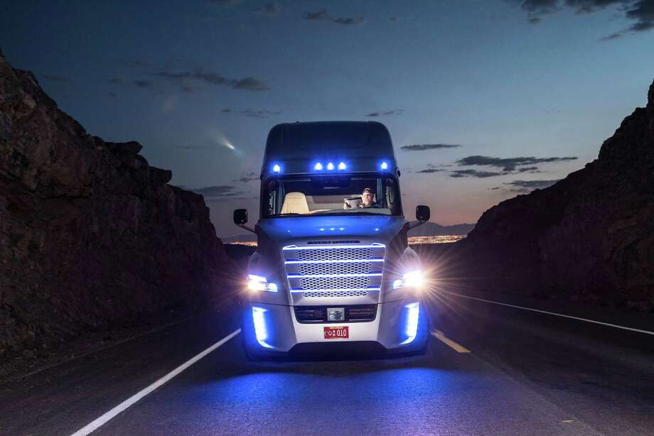 The Daimler Freightliner Inspiration, a self-driving truck, during a 2015 test drive on Nevada public roads. Photo: Daimler AG - Global Communications Commercial Vehicles, Daimler Trucks North America / press photo, do not use for advertising purposes