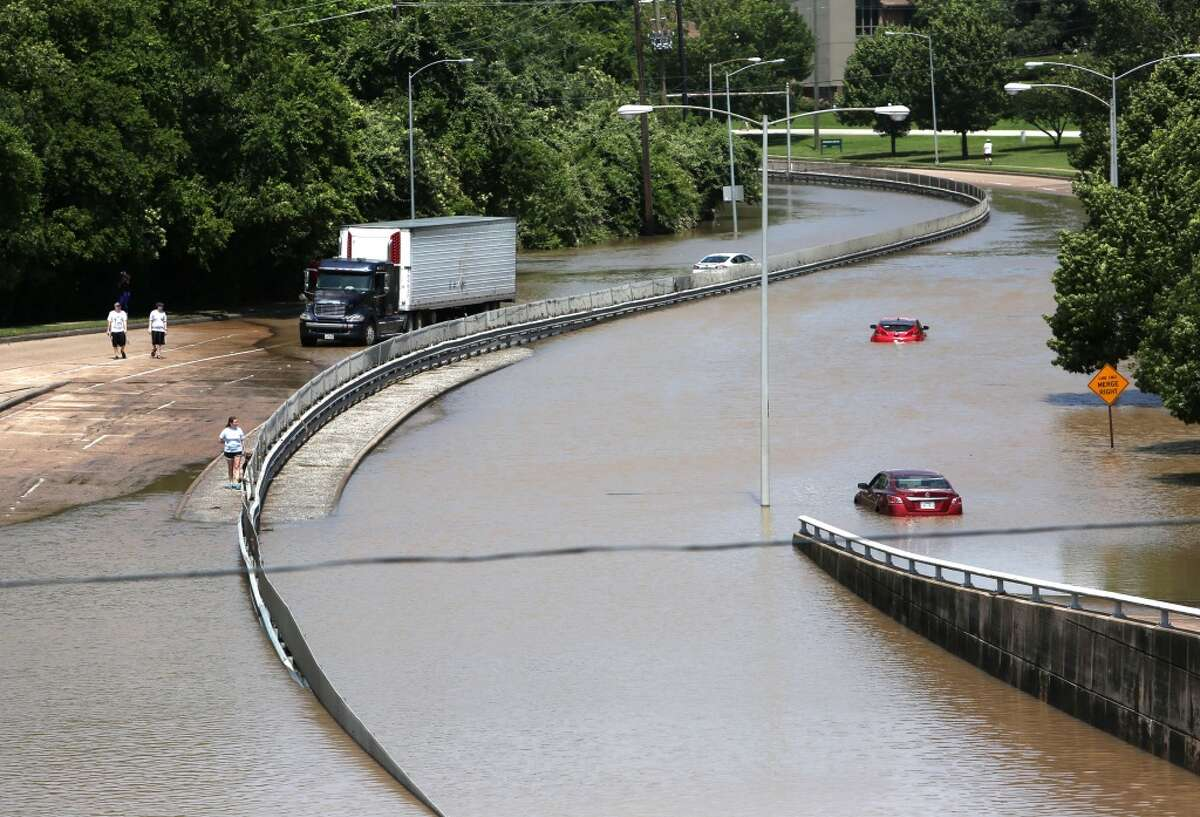 Memorial Parkway was flooded near the Shepherd Drive bridge on Tuesday, May 26, 2015.