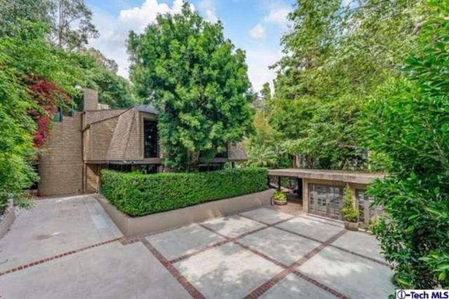 Nicole Richie, Joel Madden list stunning California home. Photo: Zillow