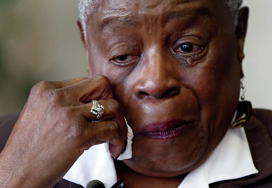 Brenda Stewart wipes away tears on May 4 as she recounts the story of how she was told her child had died shortly after giving birth at Homer G. Phillips Hospital in St. Louis. Photo: Jeff Roberson /Associated Press / AP