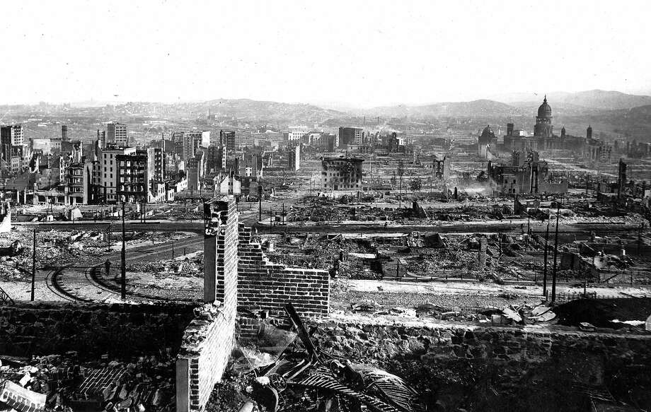 OurSF: 1906 Earthquake photo from the Chronicle archive. Photographer unknown. Looking south from Nob Hill, with City Hall in the distance on the right. Photo: Chronicle Archives