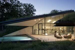Go inside an earth-covered home near Austin - Photo