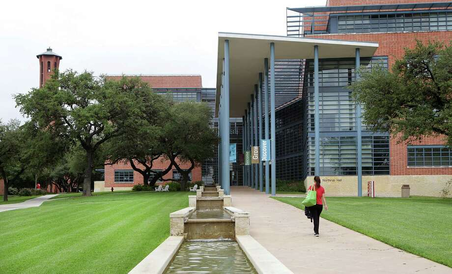 This is a view of Trinity's Northup Hall. The campus was built on a 107-acre hilltop with the help of famed architect O'Neill Ford. Photo: Bob Owen /San Antonio Express-News / San Antonio Express-News