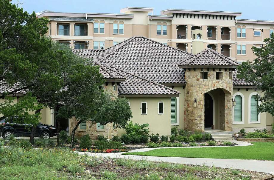 Homeowners sue over apartment towers - San Antonio Express-News