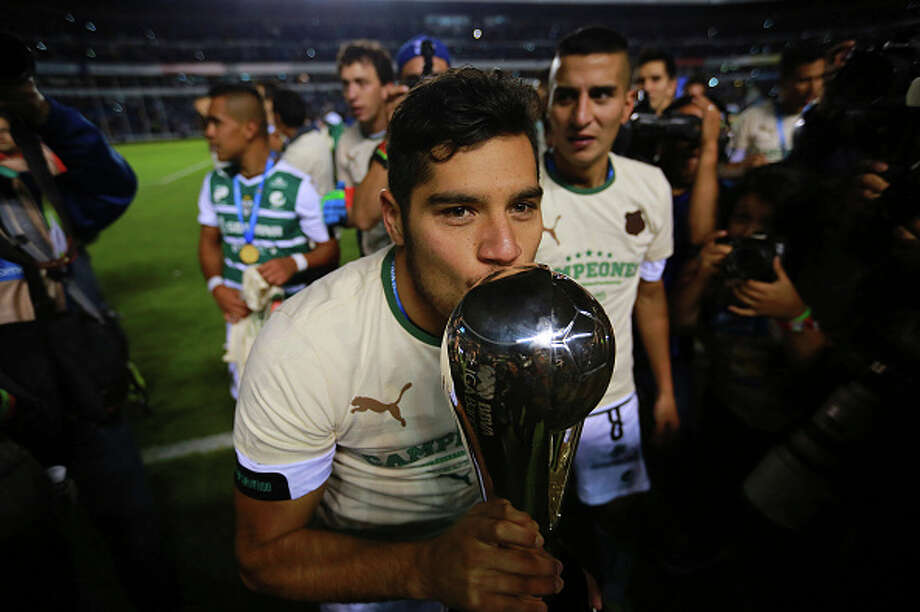 Javier Orozco and Liga MS champion Santos Laguna will take on the Dynamo in the Dynamo Charities Cup on Oct. 10. Photo: Hector Vivas/STR, LatinContent/Getty Images / 2015 LatinContent