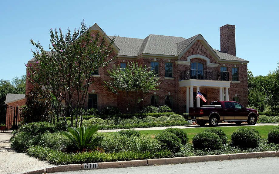 The home at 610 Terrell has an appraisal of $1.8 million and is owned by Michael A. Leonard according to the Bexar Country Appraisal District website. Kin Man Hui/kmhui@express-news.net Photo: KIN MAN HUI, STAFF / San Antonio Express-News / kmhui@express-news.net