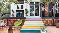 Austin's colorful 400-square-foot home - Photo