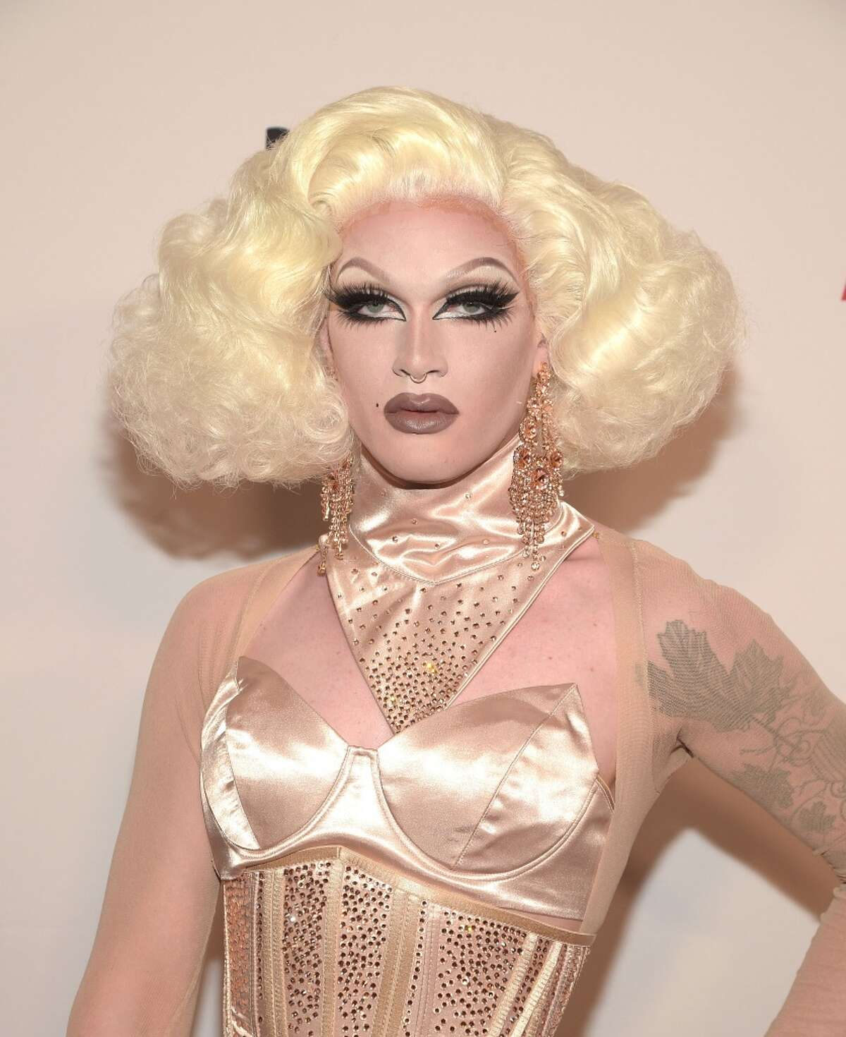 Click through to see the 2016 Houston Pride Festival performers - June 25 in downtown Houston! Pearl was a RuPaul's Drag Race Season 7 favorite and finished in the top 3.