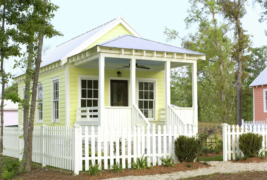 Cheerful Yellow CottageDesigned By Katrina Cottages, This Charming Little  One Bedroom House Measures 14