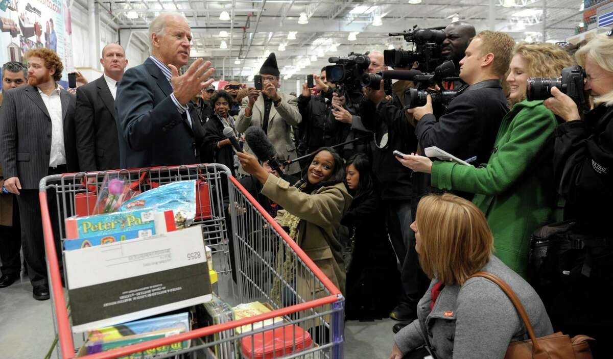 Hate: Celebrities at Costco. Just what we need. More people. Secret Service. And a shopper who can't get over the vats of mayo he can buy. Then, too, warehouse shopping cuts across party lines. You can't imagine your Republican Costco fan would be happy. (AP Photo/Susan Walsh)