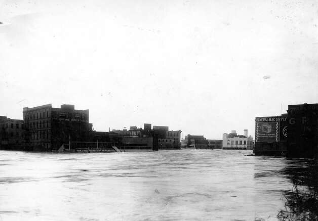 Buffalo Bayou, December 1935. Photo: J.R. Gonzales