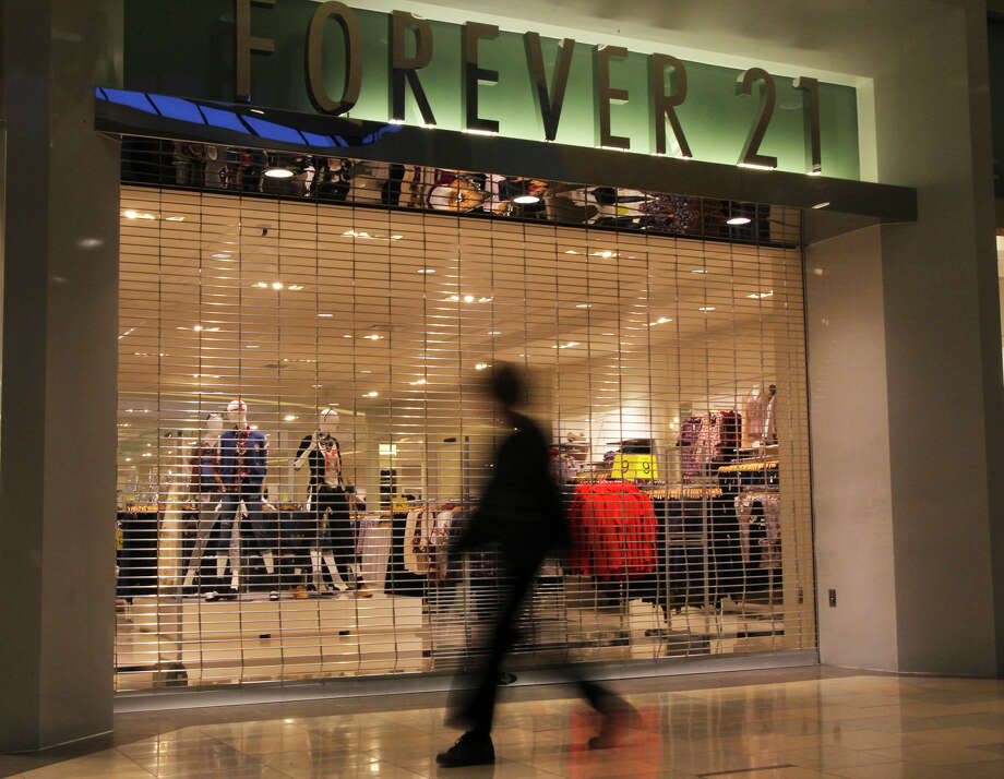 As word spreads on social media that Laredo's Forever 21 may close, Mall Del Norte spokesperson said they cannot confirm.  Photo: John Davenport / San Antonio Express-News / jdavenport@express-news.net