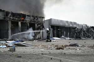 Ukraine battle tests cease-fire to breaking point - Photo
