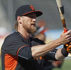 San Francisco Giants' Hunter Pence lifts the bat during batting practice before a baseball game against the Atlanta Braves, Saturday, May 30, 2015, in San Francisco. (AP Photo/George Nikitin)