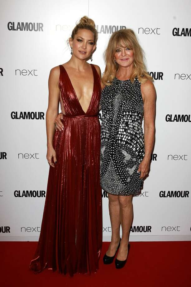 Kate Hudson and Goldie Hawn attend the Glamour Women of the Year Awards on June 2, 2015 in London, England.(Photo by Fred Duval/FilmMagic)