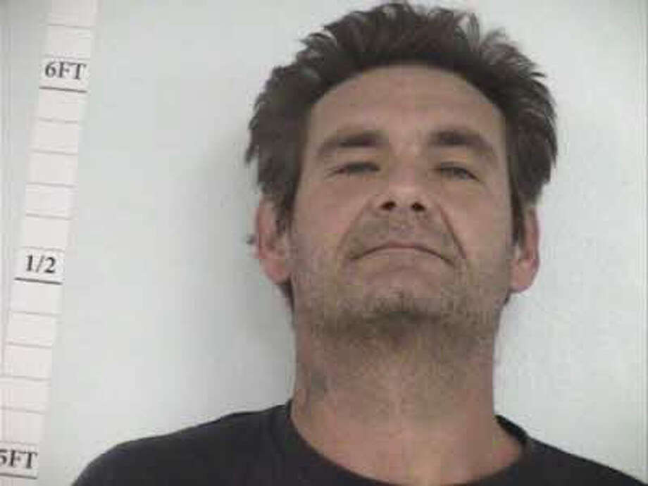 Donald Wayne Edmonds, 44, of Silsbee is charged with failure to register as a sex offender.